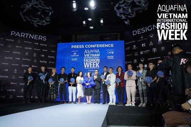Công Trí chính thức là nhà thiết kế mở màn tại Aquafina Tuần lễ Thời trang Quốc tế Việt Nam - Ảnh 1.