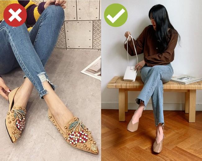 3 kiểu giày dép cứ mix với quần jeans là khiến chị em rớt xuống âm điểm thời trang - Ảnh 1.