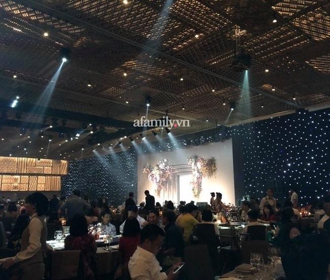 Khoảnh khắc được mong chờ nhất trong đám cưới đặc biệt của Công Phượng - Viên Minh: Hình ảnh hiếm hoi của 2 bên gia đình được hé lộ - Ảnh 2.