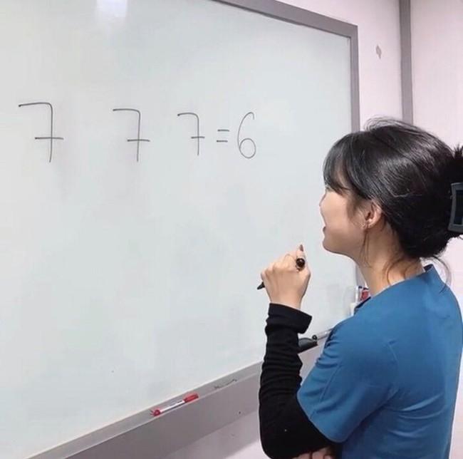 Nhân viên cả bệnh viện giơ tay xin hàng trước bài toán tiểu học, học sinh lớp 2 ra tay liền giải... ngon ơ, mới hay đáp án đơn giản đến không ngờ - Ảnh 1.