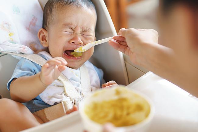Khi trẻ có 3 biểu hiện này đồng nghĩa với việc dạ dày đang có vấn đề - Ảnh 1.