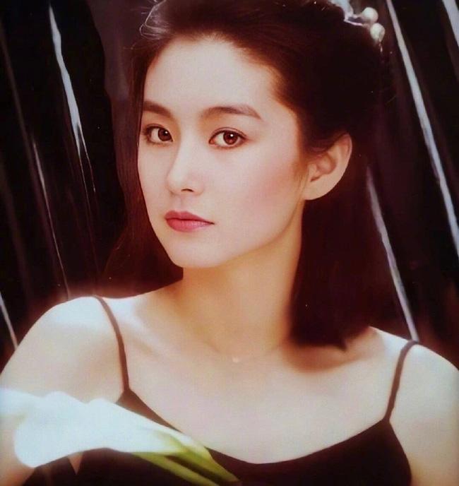 """Vẻ đẹp thời xuân sắc của """"đệ nhất mỹ nhân Hong Kong"""" Lâm Thanh Hà khiến các đàn em phải chịu thua - Ảnh 6."""
