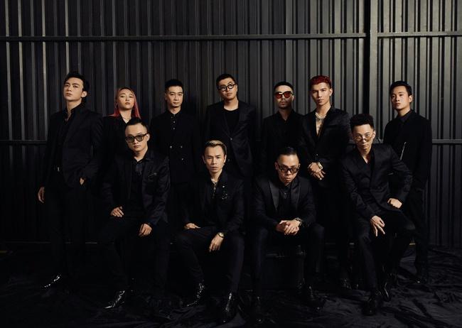 Bức ảnh phát ra những bản hit: Hoàng Touliver đứng chung khung hình với Rhymastic, Binz, Soobin Hoàng Sơn - Ảnh 1.