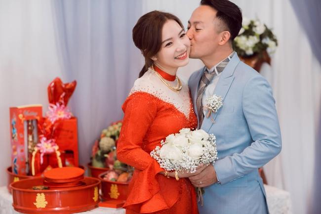 """Những cặp đôi Vbiz là minh chứng cho câu nói """"2 người chia tay sẽ có 4 người hạnh phúc"""": Cường Đô La - Hà Hồ và Công Phượng - Hòa Minzy đều được gọi tên - Ảnh 10."""