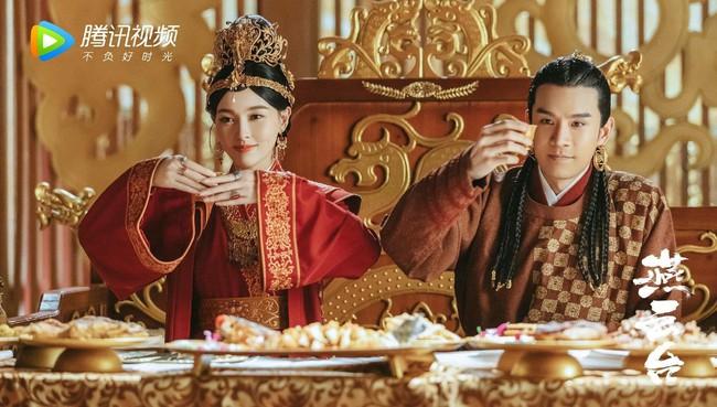 """Yến Vân Đài: Tạo hình cực đẹp của """"Hoàng hậu"""" Đường Yên, photoshop rõ chuẩn nhưng netizen chỉ chú ý đến vòng eo - Ảnh 4."""