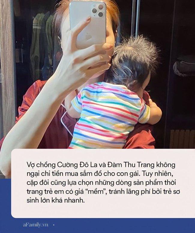 """Chi cả vài chục triệu sắm xe đẩy nhưng cũng có lúc Đàm Thu Trang cho con mặc quần áo bình dân, giá """"mềm như bún"""" - Ảnh 4."""