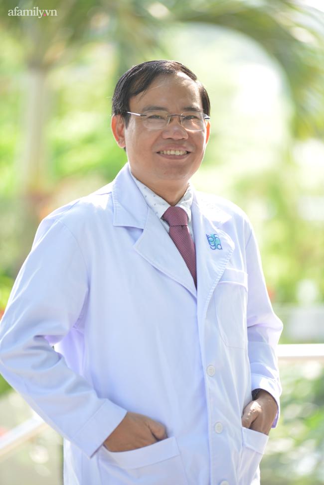 """Ký ức bất lực nhìn bệnh nhân ra đi của vị bác sĩ 20 năm làm thầy và lời nhắn nhủ sinh viên: """"Y khoa là ngành phải dấn thân"""" - Ảnh 1."""