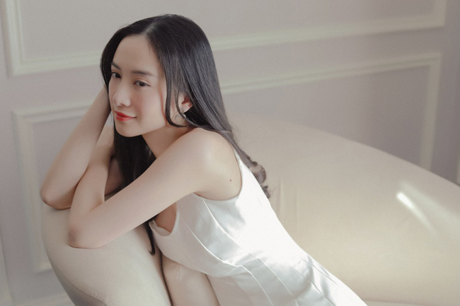 Sau Thu Trang - Kiều Minh Tuấn, Jun Vũ và Anh Tú chính thức thành đôi, còn có cảnh hôn lãng mạn  - Ảnh 1.
