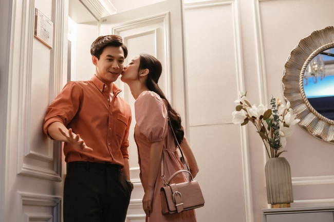 Sau Thu Trang - Kiều Minh Tuấn, Jun Vũ và Anh Tú chính thức thành đôi, còn có cảnh hôn lãng mạn  - Ảnh 6.