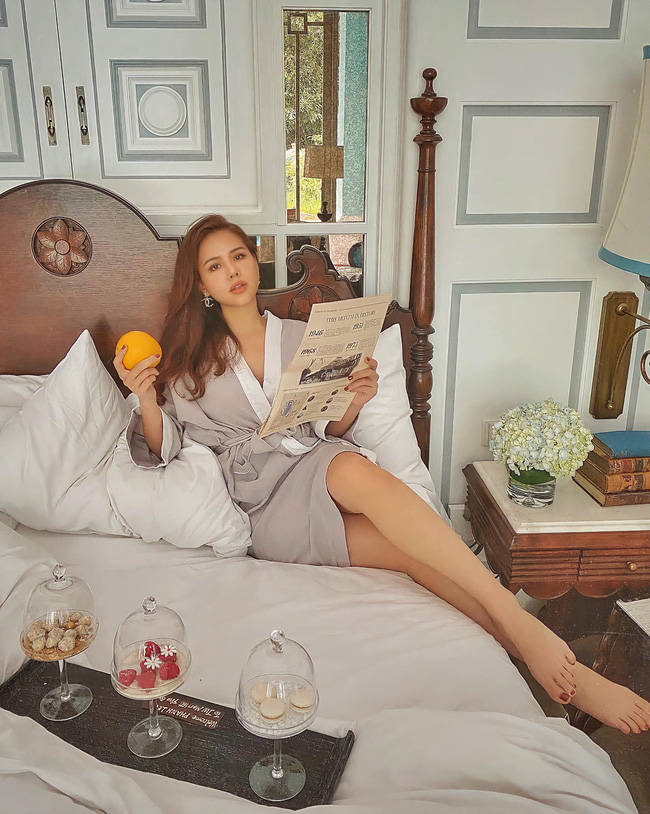 """Phanh Lee thú nhận: """"Muốn mời anh ăn sáng nhưng anh lại bận đi ăn búp phê""""."""