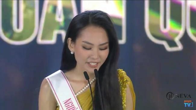 Trực tiếp Chung kết Hoa hậu Việt Nam 2020: Phần trả lời ứng xử của top 5 - Ảnh 2.