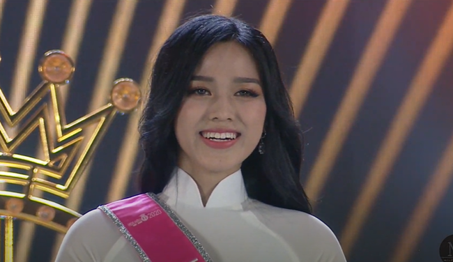 Biểu cảm khó hiểu của Tân Hoa hậu Việt Nam 2020: Mắt thì muốn khóc nhưng miệng thì muốn cười, có lúc lại thẫn thờ? - Ảnh 5.