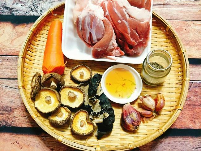 """Món ăn """"làm nửa tiếng, chén cả tuần"""" dành cho người bận rộn: Kết hợp cùng cơm nóng và dưa chua, đảm bảo vừa đủ chất vừa ngon quên sầu! - Ảnh 2."""
