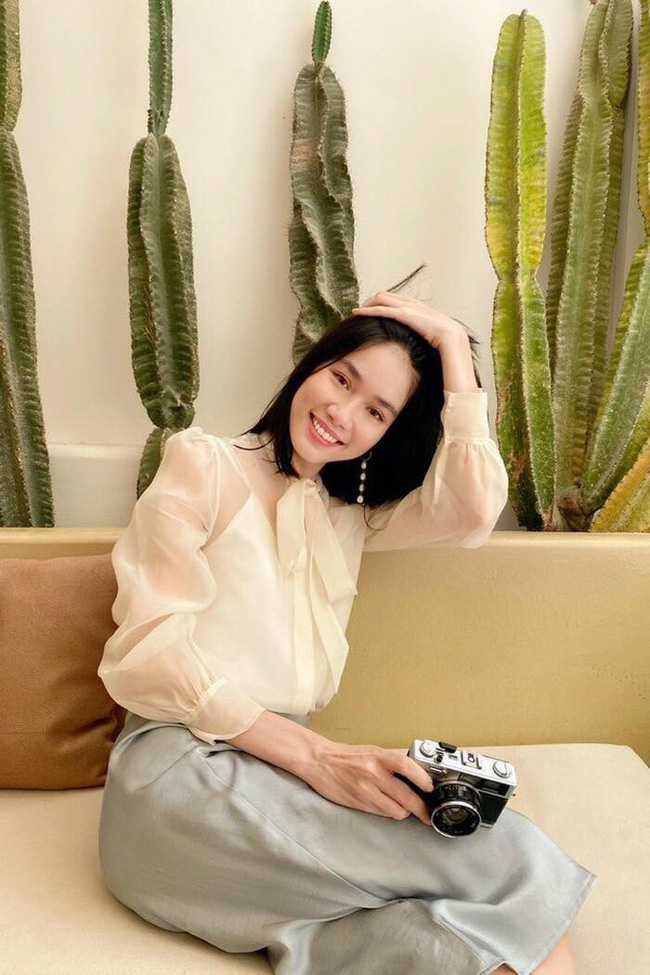 """Nhan sắc xinh đẹp và học vấn """"siêu khủng"""" của Á hậu 1 Hoa hậu Việt Nam 2020: sinh viên trường RMIT, 11 năm điểm trung bình trên 9.0 - Ảnh 4."""