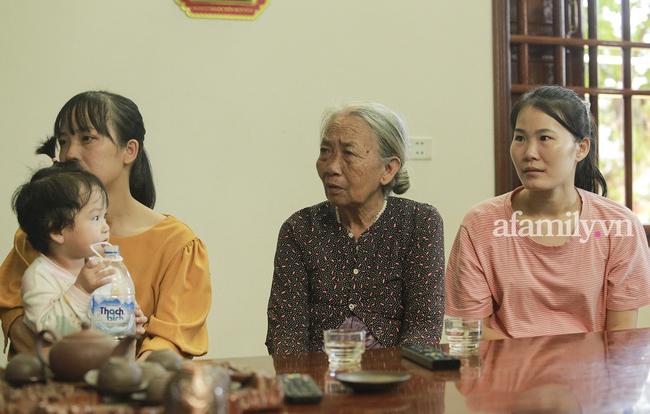 Độc quyền: Người thân bật khóc khi xem lại khoảnh khắc Đỗ Thị Hà đăng quang ngôi vị Hoa hậu Việt Nam 2020 - Ảnh 8.