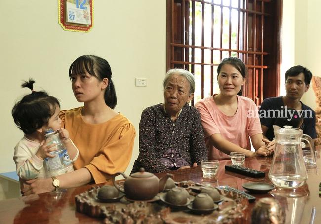 Độc quyền: Người thân bật khóc khi xem lại khoảnh khắc Đỗ Thị Hà đăng quang ngôi vị Hoa hậu Việt Nam 2020 - Ảnh 7.