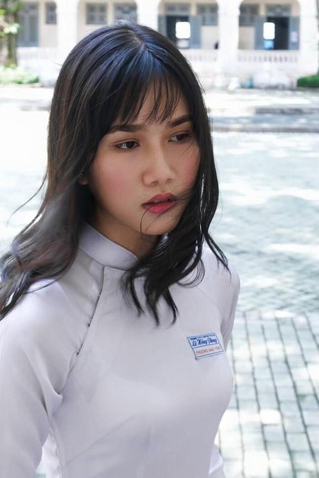 """Nhan sắc xinh đẹp và học vấn """"siêu khủng"""" của Á hậu 1 Hoa hậu Việt Nam 2020: sinh viên trường RMIT, 11 năm điểm trung bình trên 9.0 - Ảnh 5."""