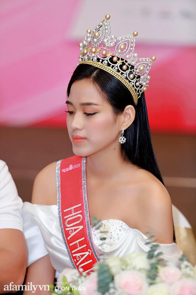 Hoa hậu Việt Nam 2020 lần đầu xuất hiện trước truyền thông: Đỗ Thị Hà đáp trả nghi vấn biết trước kết quả, Á hậu 2 nói về việc từng diễn trong show nội y của Vũ Khắc Tiệp - Ảnh 4.