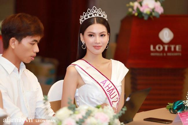 Hoa hậu Việt Nam 2020 lần đầu xuất hiện trước truyền thông: Đỗ Thị Hà đáp trả nghi vấn biết trước kết quả, Á hậu 2 nói về việc từng diễn trong show nội y của Vũ Khắc Tiệp - Ảnh 6.