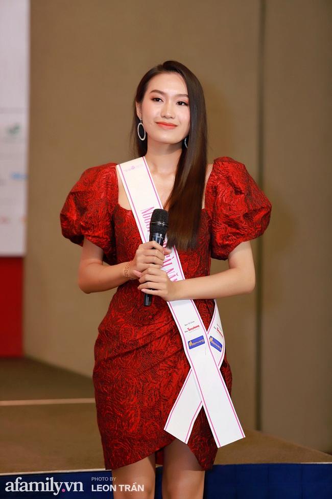 Hoa hậu Việt Nam 2020 lần đầu gặp gỡ truyền thông trong buổi phỏng vấn công khai: Đỗ Thị Hà trả lời về nghi vấn biết trước kết quả, Á hậu 1 thể hiện khả năng ngoại ngữ nổi bật nhất top 3 - Ảnh 4.