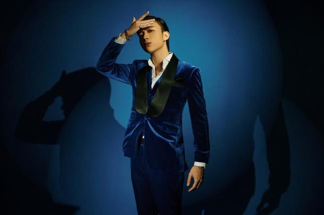Soobin tung MV ôm ấp toàn chân dài, fan gọi tên Binz để đo độ ăn chơi tán gái  - Ảnh 7.