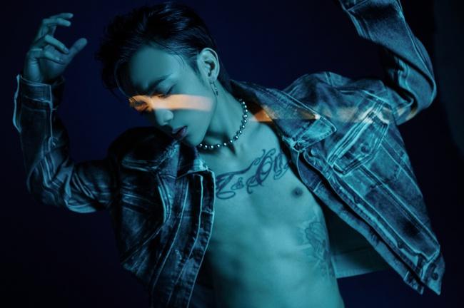 Soobin tung MV ôm ấp toàn chân dài, fan gọi tên Binz để đo độ ăn chơi tán gái  - Ảnh 2.