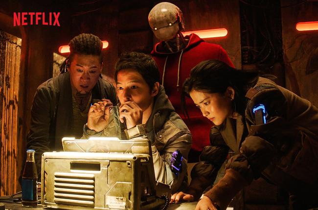 """Phim 500 tỷ của Song Joong Ki bị """"phá sản"""", netizen mỉa mai hết thời, không bằng một góc như Song Hye Kyo - Ảnh 2."""