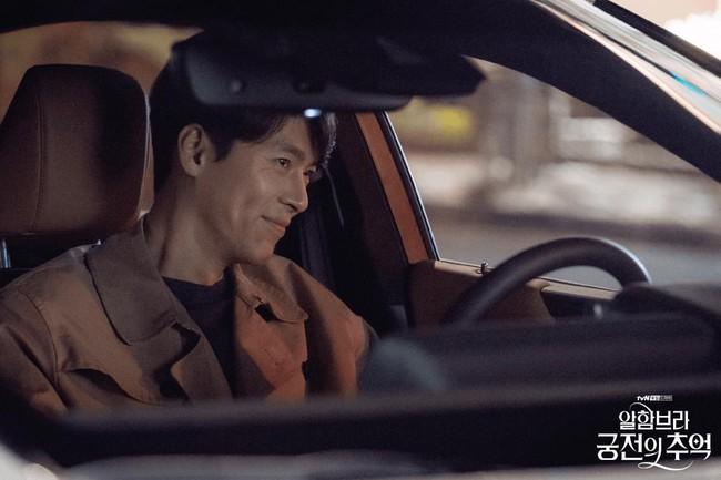 Hyun Bin gây sốt với bộ ảnh khoe cận gương mặt đẹp không góc chết, fan xuýt xoa vì nhan sắc quá cực phẩm - Ảnh 2.