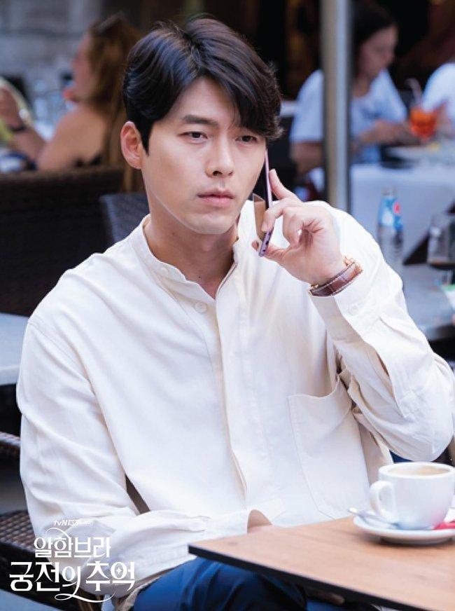 Hyun Bin gây sốt với bộ ảnh khoe cận gương mặt đẹp không góc chết, fan xuýt xoa vì nhan sắc quá cực phẩm - Ảnh 14.