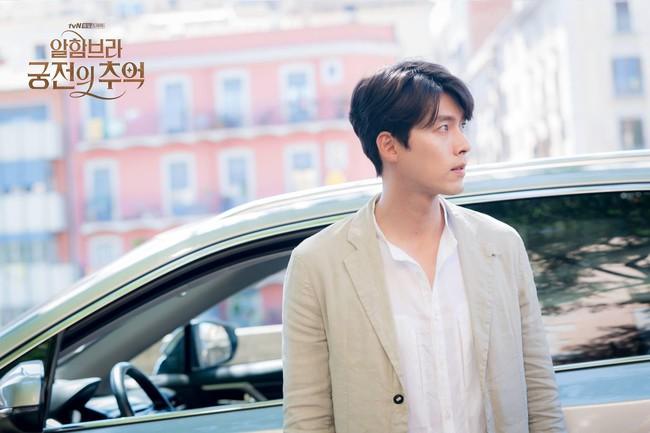 Hyun Bin gây sốt với bộ ảnh khoe cận gương mặt đẹp không góc chết, fan xuýt xoa vì nhan sắc quá cực phẩm - Ảnh 9.