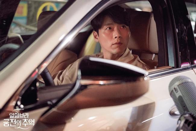 Hyun Bin gây sốt với bộ ảnh khoe cận gương mặt đẹp không góc chết, fan xuýt xoa vì nhan sắc quá cực phẩm - Ảnh 10.