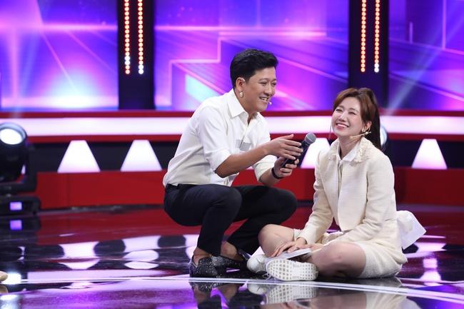 Ăn theo trend Rap Việt, Trường Giang đọc Rap trước mặt thầy trò Wowy - Ảnh 4.