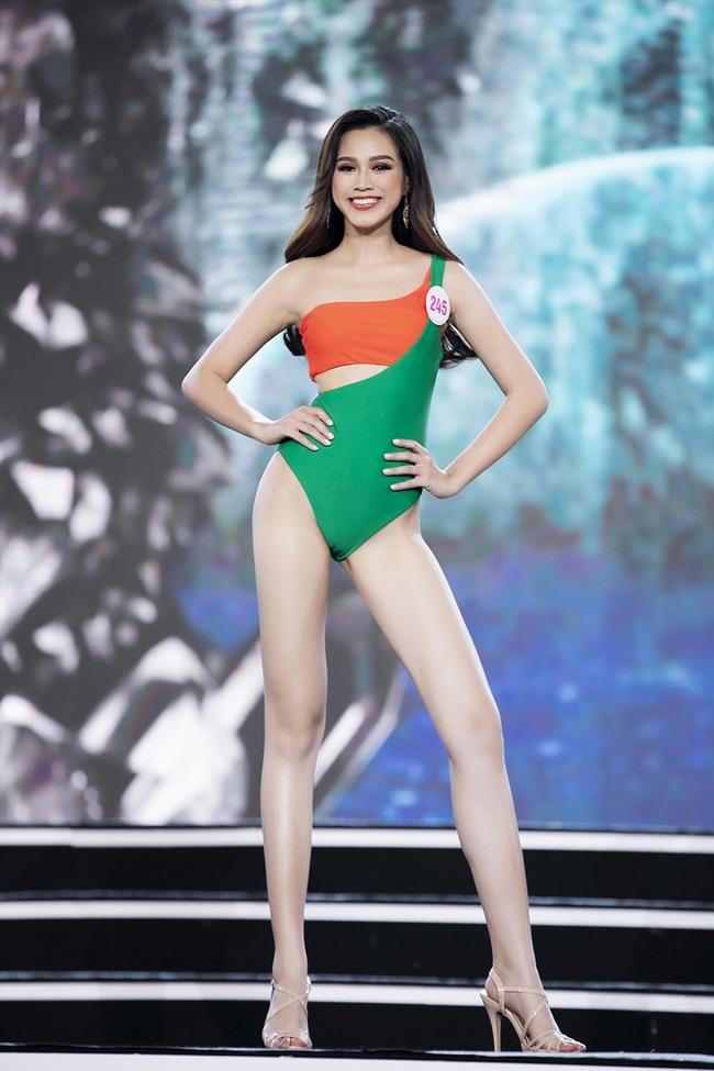 """Tân Hoa hậu Đỗ Thị Hà: Body """"căng đét"""", học vấn đáng ngưỡng mộ nhưng nhan sắc đời thường có được như tung hô? - Ảnh 3."""