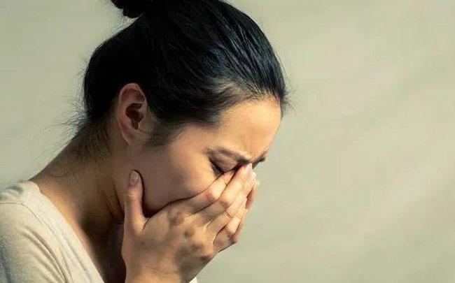 Cô gái 24 tuổi bị cắt bỏ tử cung, cảnh báo những hành vi của đàn ông có thể gây hại cho phụ nữ - Ảnh 2.