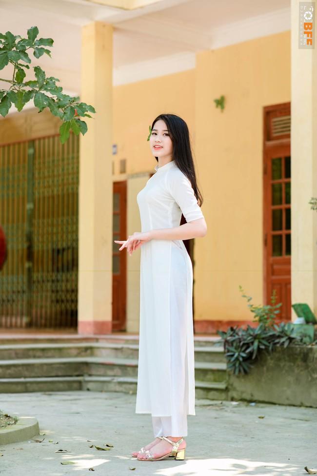 Hoa hậu Đỗ Thị Hà được xuýt xoa khen ngợi body gợi cảm nhưng nhìn xuống bàn chân lại gây sốc nhẹ - Ảnh 5.