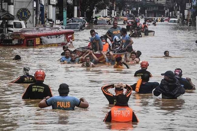Thiệt hại nặng nề do bão, Philippines tuyên bố tình trạng thiên tai ở Luzon - Ảnh 1.