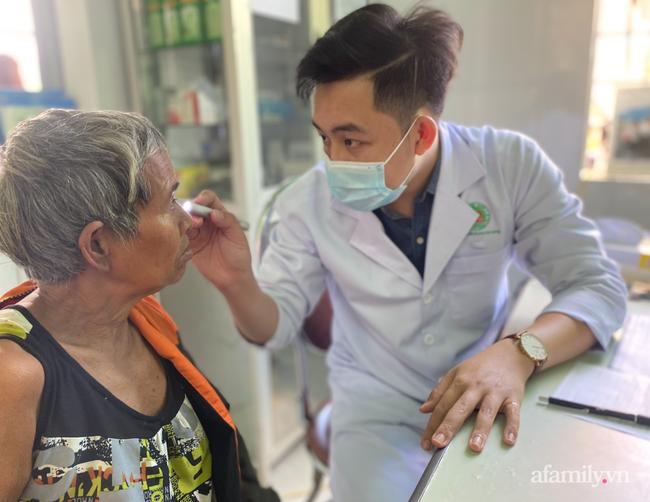 Người vợ nghèo Gia Lai bị tai nạn nặng trên đường chồng chở đến bệnh viện, chống nạng cầu cứu bác sĩ Sài Gòn - Ảnh 10.