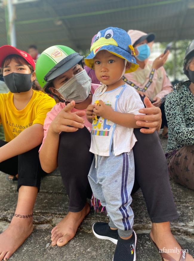 Người vợ nghèo Gia Lai bị tai nạn nặng trên đường chồng chở đến bệnh viện, chống nạng cầu cứu bác sĩ Sài Gòn - Ảnh 11.