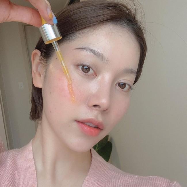Beauty blogger 51 tuổi chỉ ra 10 sản phẩm mà cô không dùng, kinh nhất là có loại còn khiến đẩy nhanh tốc độ lão hoá - Ảnh 14.