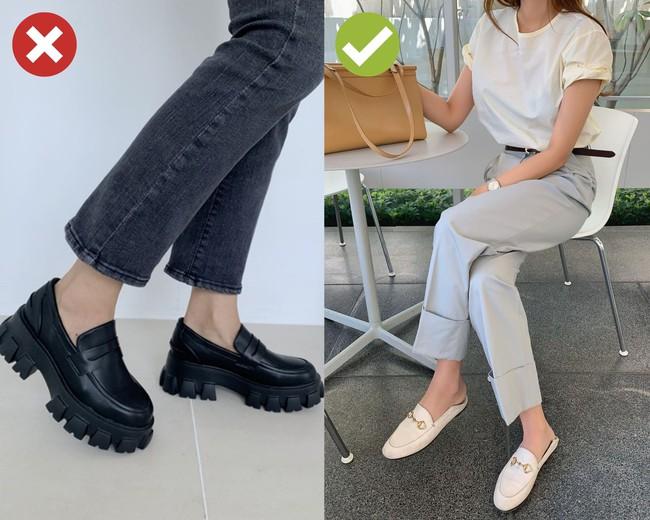 4 mẫu giày dù giảm giá kịch kim dịp Black Friday thì chị em cũng đừng sắm vì khó kết hợp, dễ làm xấu cả bộ đồ - Ảnh 4.