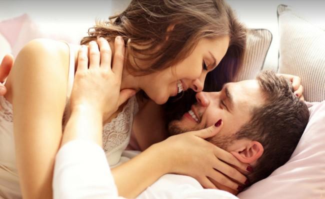 Nếu trên giường, một người đàn ông có thể mê đắm bạn theo cách `` bất kể thế nào '' thì Xin chúc mừng, bạn là người phụ nữ mà anh ấy yêu mến - Ảnh 2.