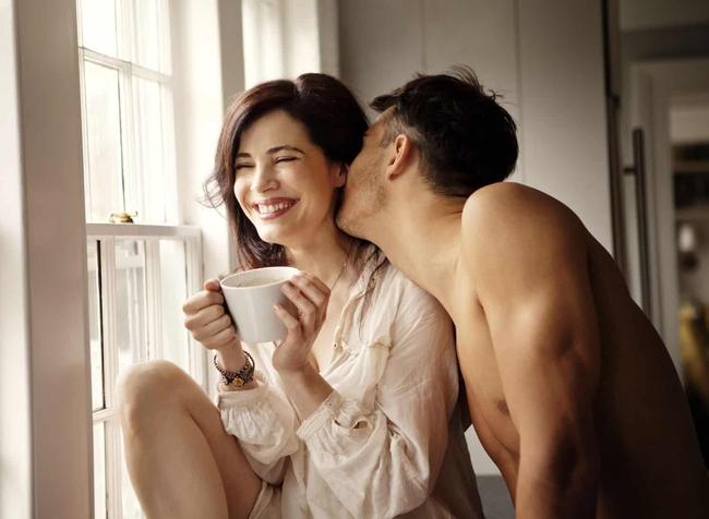 Nếu trên giường, một người đàn ông có thể mê đắm bạn theo cách `` bất kể thế nào '' thì Xin chúc mừng, bạn là người phụ nữ mà anh ấy yêu quý - Ảnh 3.