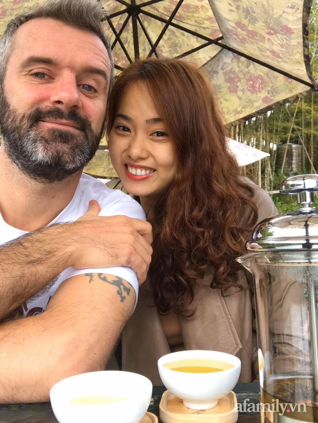 """Cuộc hôn nhân của cô gái Việt và thầy giáo Ireland: Lần đầu gặp rể, bố vợ """"mặt hình sự"""" nhưng thay đổi thái độ hoàn toàn sau khi nói chuyện với bà thông gia - Ảnh 2."""
