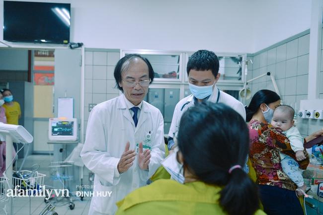 Bác sĩ khoa Nhi chia sẻ chuyện nghề: Ca bệnh ám ảnh nhất là trẻ bị tử vong do viêm phổi, lạm dụng kháng sinh là câu chuyện đáng báo động từ rất lâu  - Ảnh 6.