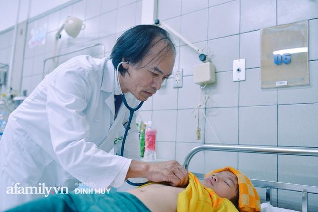 Bác sĩ khoa Nhi chia sẻ chuyện nghề: Ca bệnh ám ảnh nhất là trẻ bị tử vong do viêm phổi, lạm dụng kháng sinh là câu chuyện đáng báo động từ rất lâu  - Ảnh 8.