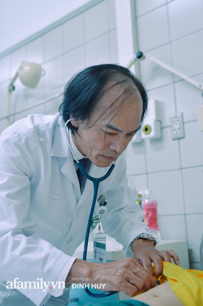 Bác sĩ khoa Nhi chia sẻ chuyện nghề: Ca bệnh ám ảnh nhất là trẻ bị tử vong do viêm phổi, lạm dụng kháng sinh là câu chuyện đáng báo động từ rất lâu  - Ảnh 7.