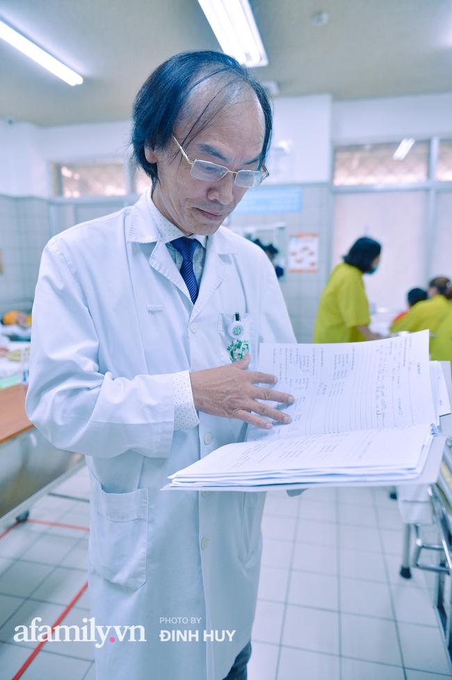 Bác sĩ khoa Nhi chia sẻ chuyện nghề: Ca bệnh ám ảnh nhất là trẻ bị tử vong do viêm phổi, lạm dụng kháng sinh là câu chuyện đáng báo động từ rất lâu  - Ảnh 12.