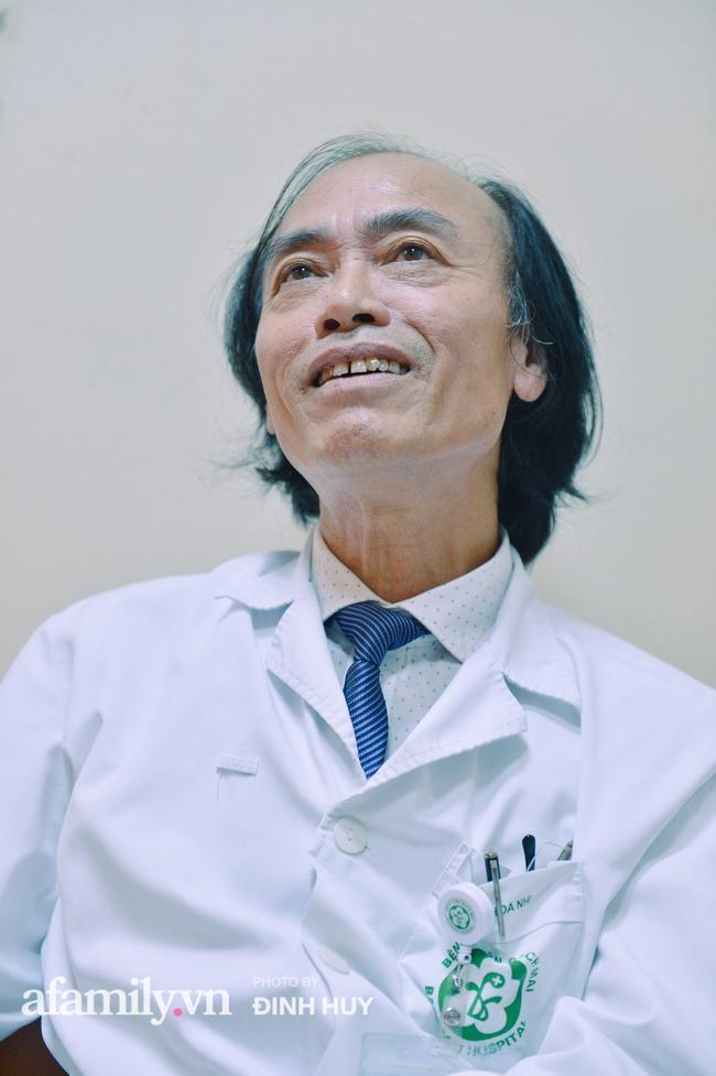 Bác sĩ khoa Nhi chia sẻ chuyện nghề: Ca bệnh ám ảnh nhất là trẻ bị tử vong do viêm phổi, lạm dụng kháng sinh là câu chuyện đáng báo động từ rất lâu  - Ảnh 11.