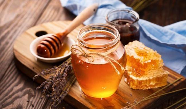 Trẻ bị ho muốn dùng mật ong để chữa bệnh: Chuyên gia cảnh báo tuyệt đối không được áp dụng với trẻ dưới 1 tuổi - Ảnh 1.