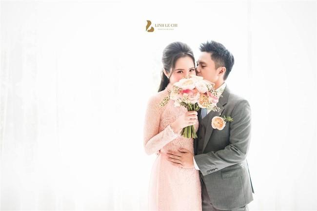 Khỏi cần đoán cô dâu bí mật của thiếu gia Phan Thành nữa, bởi Primmy Trương đã lộ diện e ấp bên chàng rồi đây! - Ảnh 2.